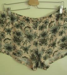 H&M kratke hlačice- vel.M