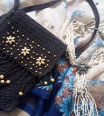 Lot, heklana torba, ogrlica i svilena marama