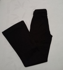 Nove crne trapez traperice S