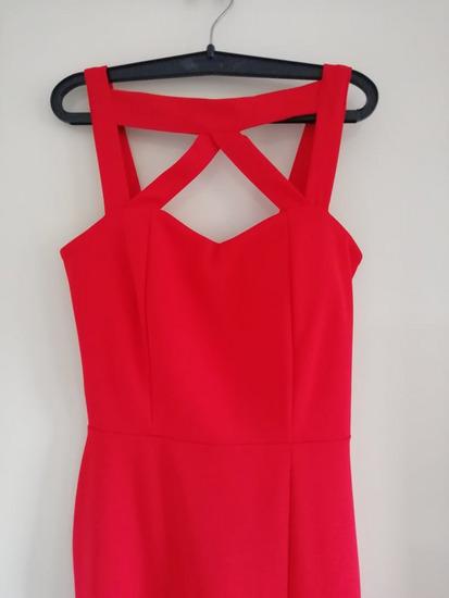 Crvena svečana haljina