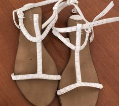 Bershka sandale 39