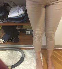 Nove smeđe hlače S