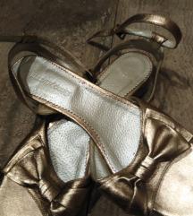 Guliver zlatne sandale