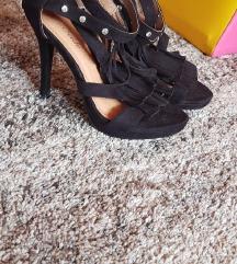 Sandale na petu s resama