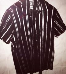 Crna prugasta košulja