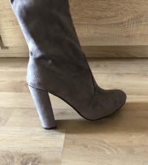 Duge cizme na petu