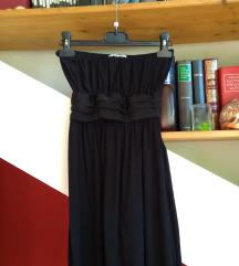 Lepršava crna haljina bez naramenica