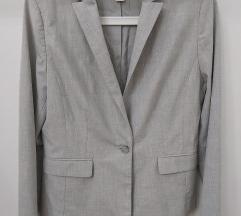 Sivi strukirani sako