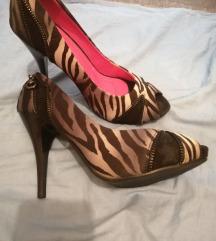 cipele sa tigrastim uzorkom