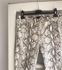 H&M hlače zmijskog uzorka 🐍