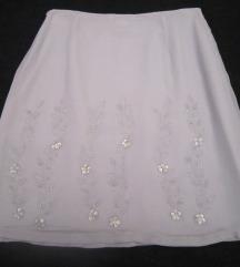 Svijetlo siva suknja izrađena od svile