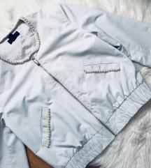 H&M bomber jakna s naknadno našivenim biserima