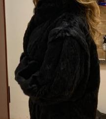 Zenska crna bunda, 38