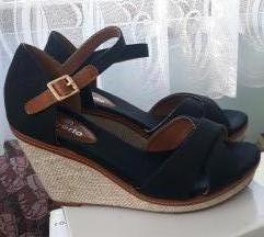 Crne sandale 41