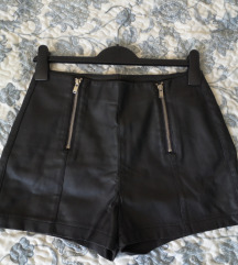 'Kožne' kratke hlače