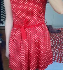 Crvena točkasta haljina