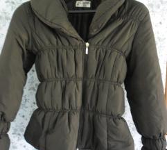 Zimska jakna smeđe boje