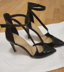 ZARA crne lakirane sandale 41