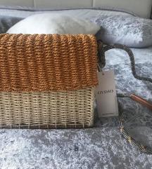 NOVA OYSHO torbica s etiketom