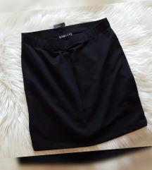 Nova s etiketom crna suknja