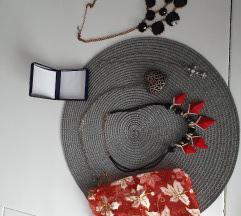 2 ogrlice + 2 na poklon