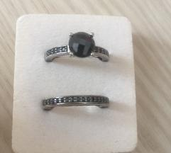 Dva srebrna prstena s poludragim kamenom - hematit