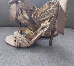 Sandale sa mašnom
