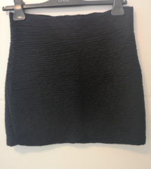 Mini crna suknja