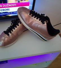 Brončane Nike Cortez