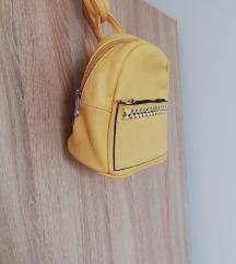Mali žuti ruksak, novo!