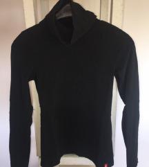 Esprit pulover s ovratnikom/ dolčevita