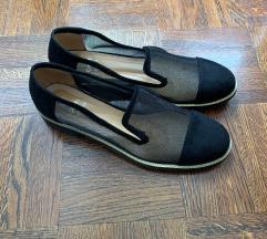 Prekrasne crne cipele