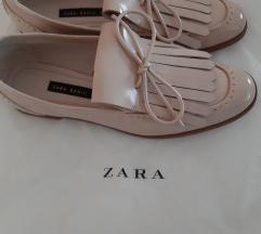 Zara lakirane cipele vel.39