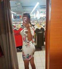 Nova cvjetna uska mini haljinica