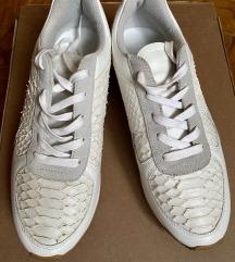 Zara bijele kožne tenisice sa zmijskim uzorkom