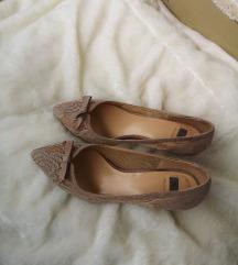 Bata čipkane salonke / cipele na petu