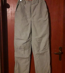 Sive podstavljene hlače
