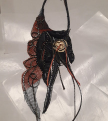 Ekstravagantna ogrlica