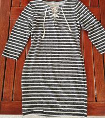 Rastezljiva haljinica, M