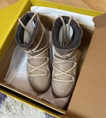 Inuikii čizme, original, kao nove