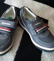 Cipele dječje 25