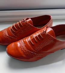 Crvene Oxford cipele