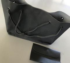 Nova siva kozna torba sa manjkm torbicom