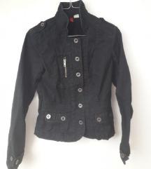 Crna kratka jakna kao traper HM 34