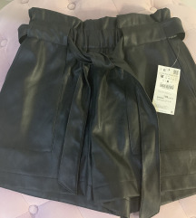 Zara kožne kratke hlače s etiketom