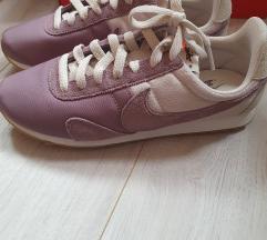 Nove Nike tenisice 37,5
