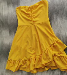 Nova žuta Boohoo haljina
