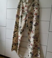 Zara cvjetne hlače