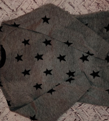 Sivi pulover na zvjezdice