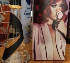 Rihanna Reb'l fleur